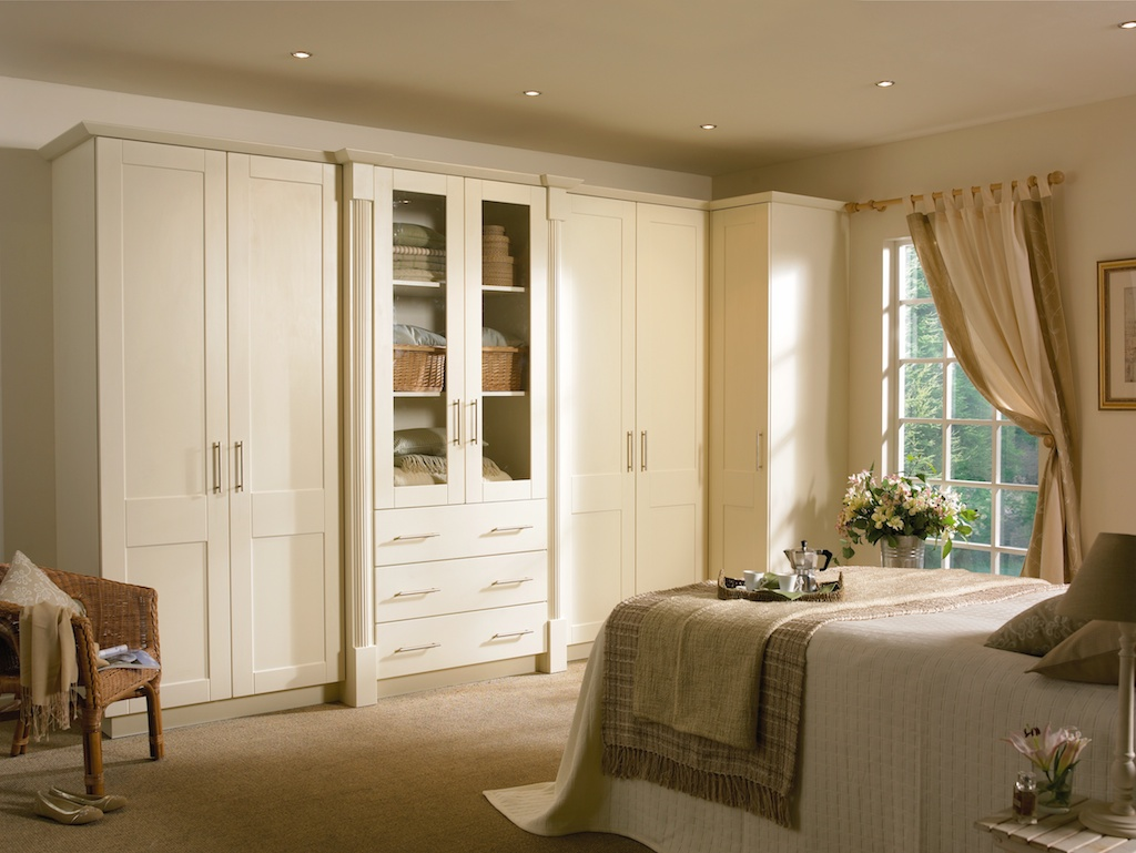 Bedroom in KDC10 style shown in Hornschurch Ivory