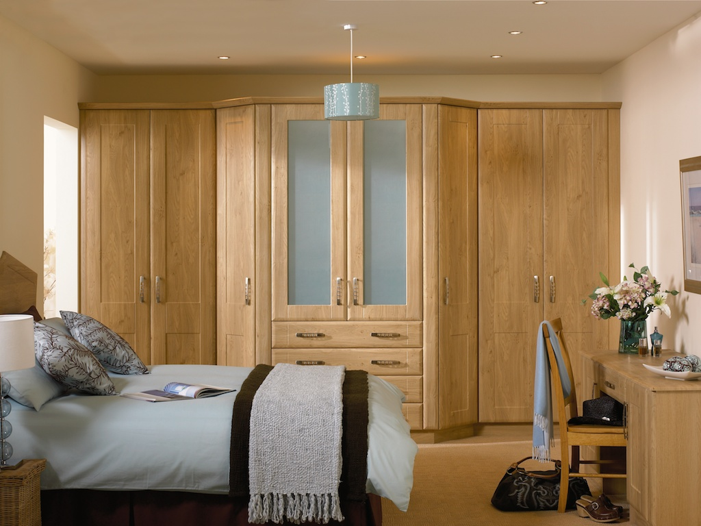 Bedroom in KDC4 style shown in Winchester oak