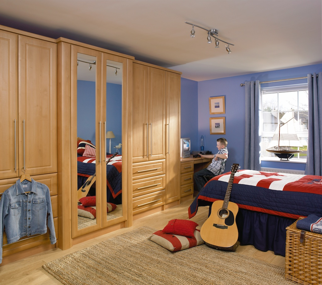 Bedroom in KDC42 style shown in Celtic Birch