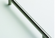 T BAR HANDLE IN STAINLESS STEEL FINISH 186MM